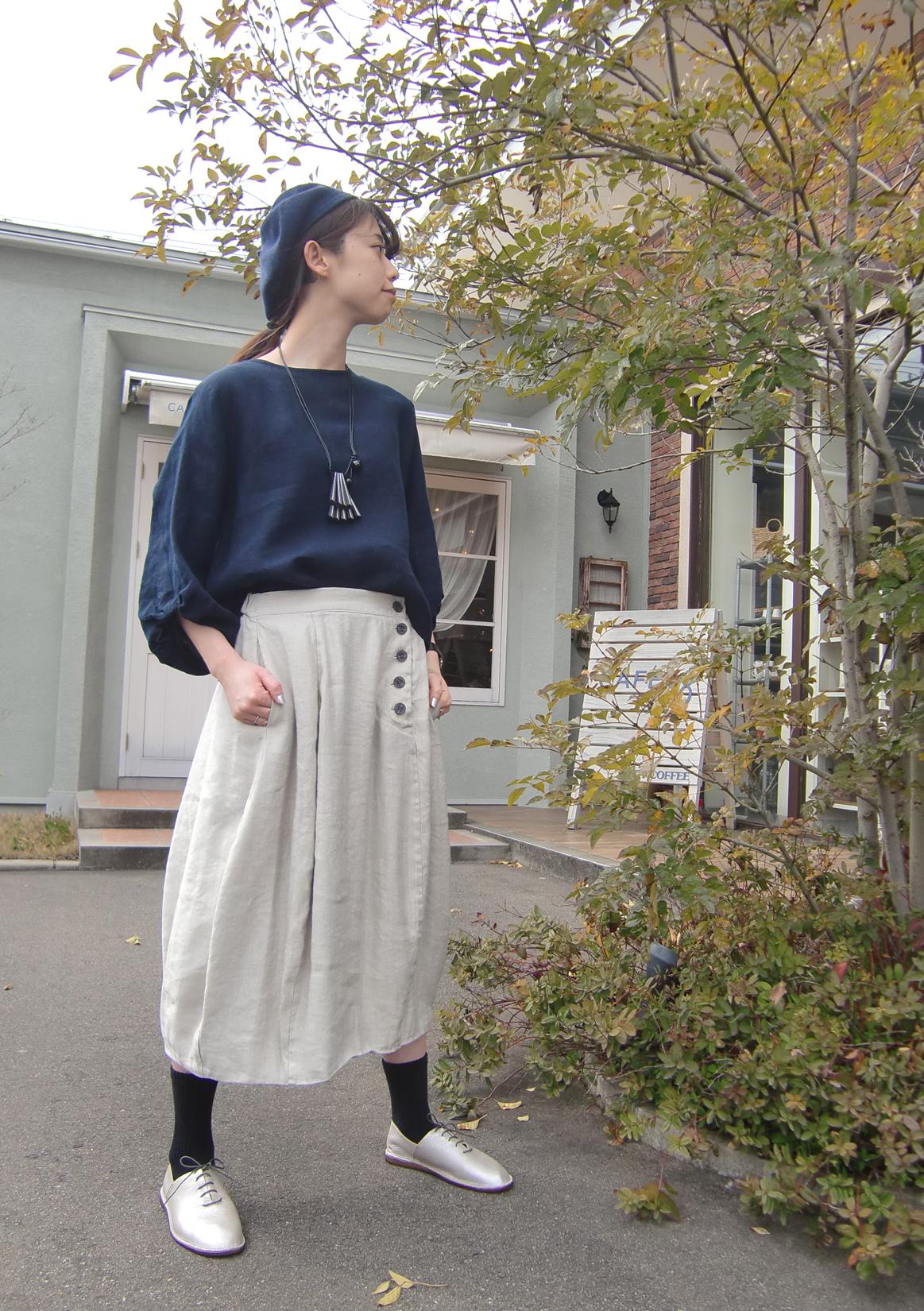 裾にデザインを。