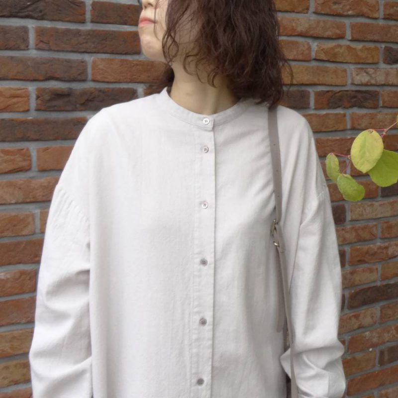 タックロングシャツ